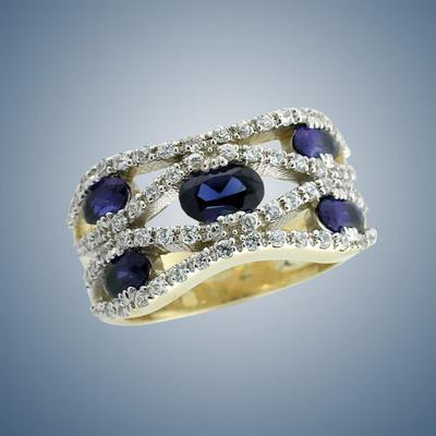 кольцо с бриллиантом и сапфирами