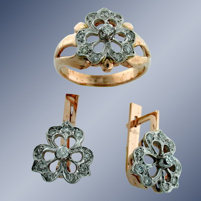 Set of ring and earrings with diamonds