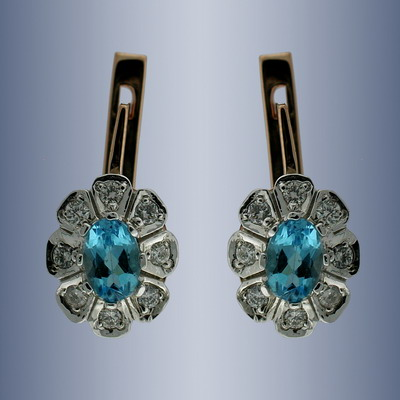 Earrings with diamonds and blue topaz