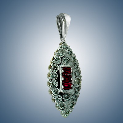 Pendant with diamonds and ruby